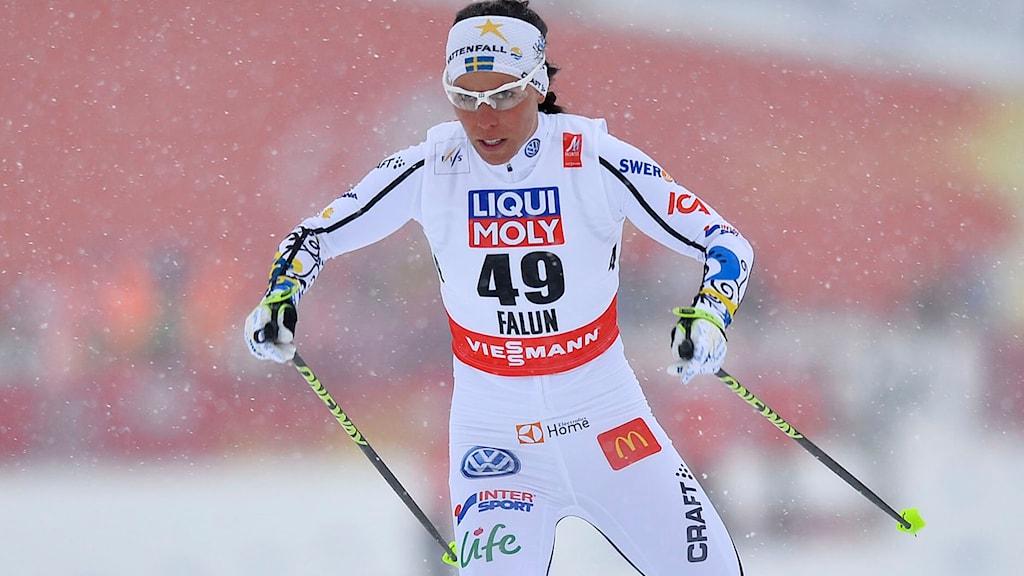 Charlotte Kalla på 10 km fristil i skid-VM i Falun. Foto: Anders Wiklund/TT.
