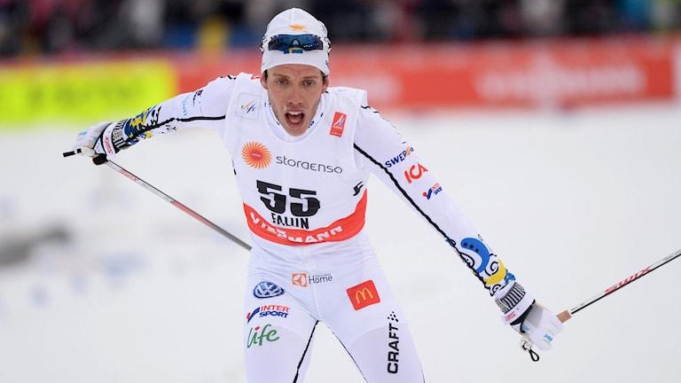 DELBAR: Marcus Hellner går i mål som fyra efter 15 km fritt på VM i Falun. Foto: Fredrik Sandberg/TT