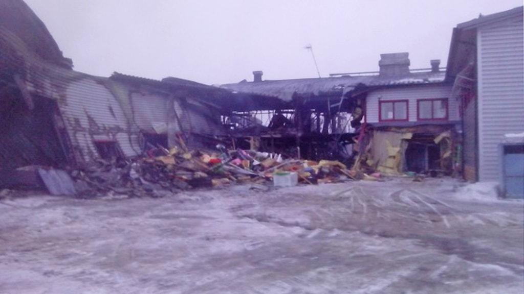 Det eldhärjade företagshotellet i Pajala. Foto: Lennart Hannu