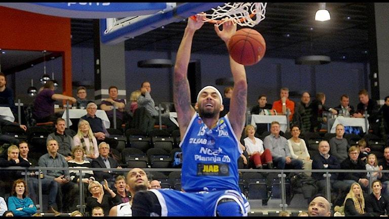 LF Basket Jarraun Burrows