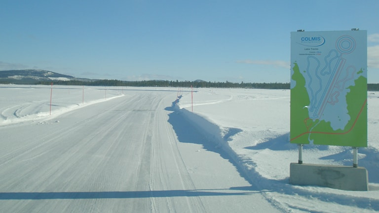 Car companies want to be able to test vehicles on frozen lakes without paying the landowner. Photo: Beatrice Karlsson/Sveriges Radio.
