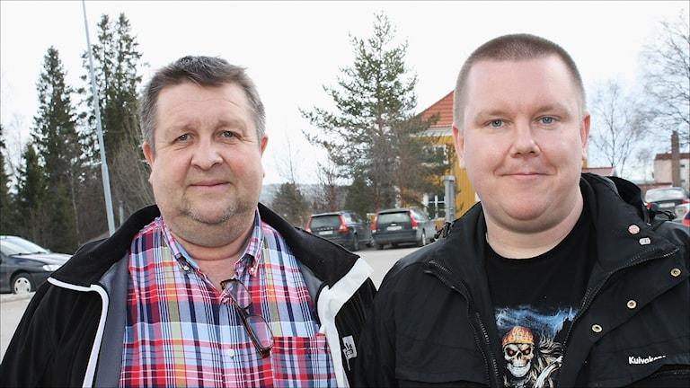 Övertorneås kommunalråd Tomas Mörtberg (C) och Tomas Vedestig (ÖA). Foto: Stig-Arne Nordström/Sveriges Radio.
