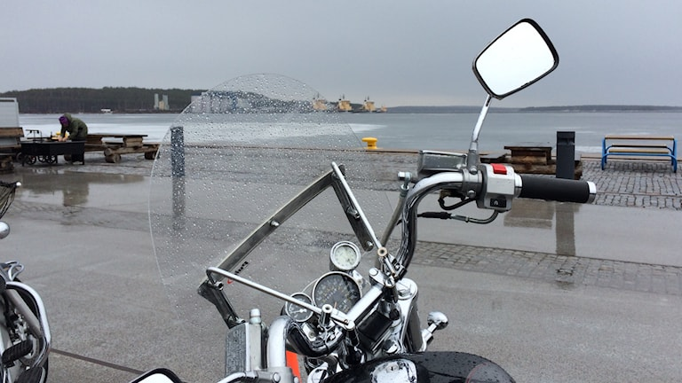Motorcykel i södra hamn. Foto: Eleonor Norgren/P4 Norrbotten