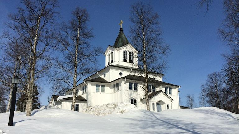 Gällivare kyrka i vinterskrud. Foto: Ann-Christine Wallner-Hoppe/Sveriges Radio