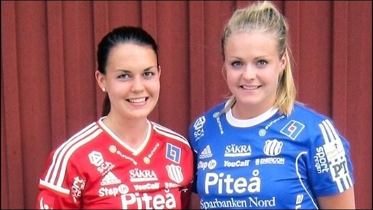 Emilia Appelqvist och Hilda Carlén är båda uttagna till fotbolls-VM. Foto Peter Sundkvist SR