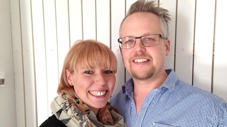 Glädjande besked för Christina och Clas Lund från Rosvik. Foto: Anton Bennebrant/Sveriges Radio.