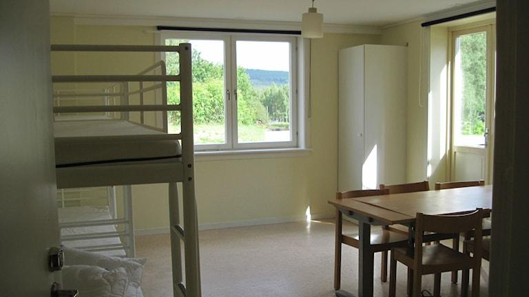 Ett av rummen på asylboendet i Gunnarsbyn.