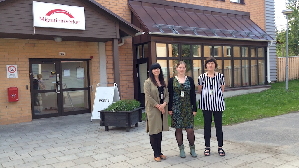 Anna Lönnhager, Linn Lundgren och Anna-Stina Lundström-Sundström, Migrationsverket i Boden. Foto: Ellinor Eriksson/Sveriges Radio.