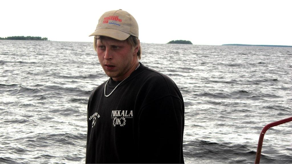 Viktor Medström på Seskarö i Haparanda skärgård. Foto: Ulf Larsson/Sveriges Radio.