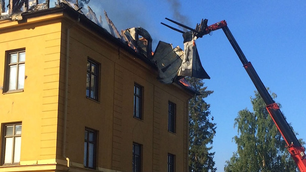 Brand i flerfamiljshus i Boden. Foto: David Zimmer/Sveriges Radio.