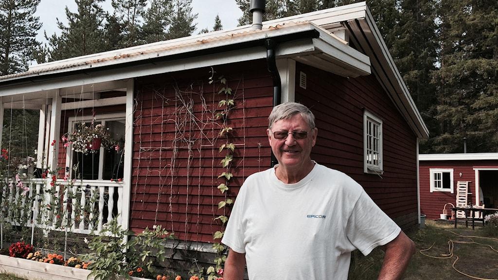 K-G Aasa, en av stugägarna på Lulnäsudden. Foto: Eleonor Norgren/Sveriges Radio.
