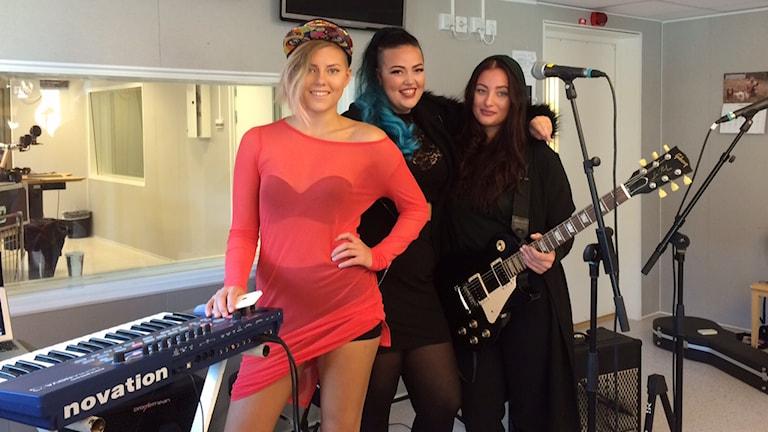 The Glorias spelar live i P4-studion. Foto: André Pettersson/Sveriges Radio.
