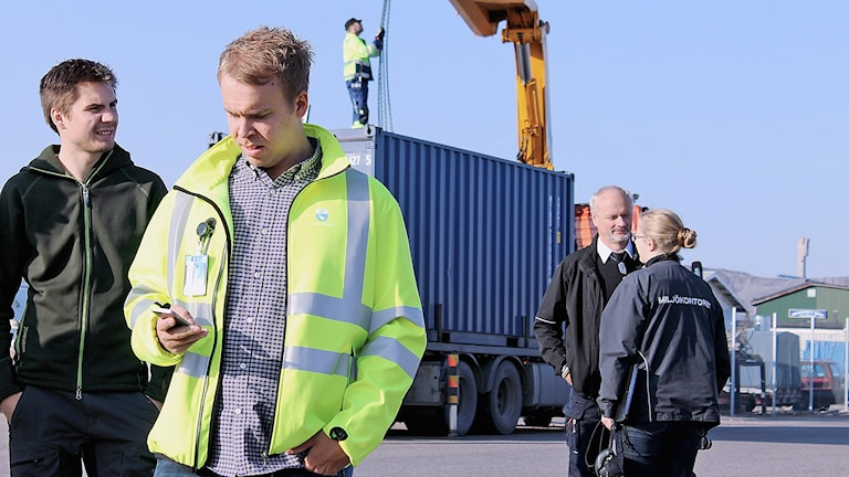 Kiruna kommun gör en tillsyn av industriområdet. Foto: Alexander Linder/ Sveriges Radio.