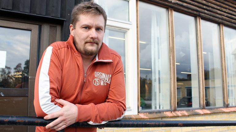Petter Silverplats, som äger en villa i Östra Malmberget, välkomnar gruvbolagets besked. Foto: Alexander Linder/ Sveriges Radio.