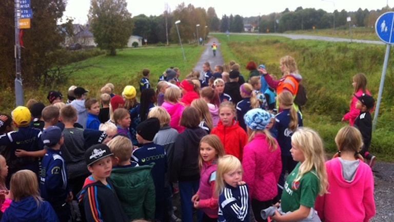 Rutviksskolans årskurs 3 gör sig redo för start. Foto: Sebastian Wiklander/Sveriges Radio