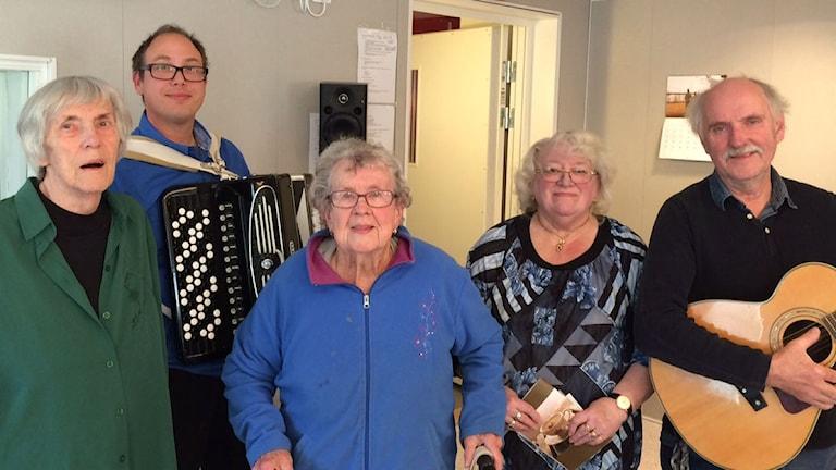 """Musikgruppen """"Ortens patrask"""". Foto: Tova Nilsson/Sveriges Radio"""