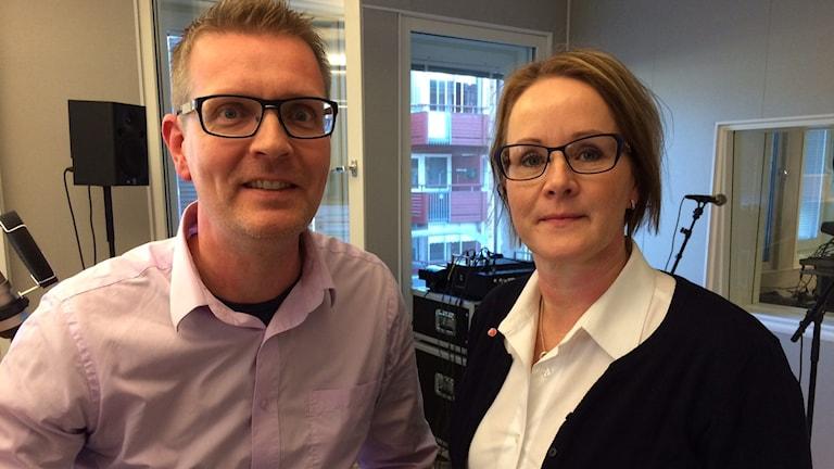 Landstingspolitikerna Mattias Karlsson (M) och Maria Stenberg (S). Foto: André Pettersson/Sveriges Radio.