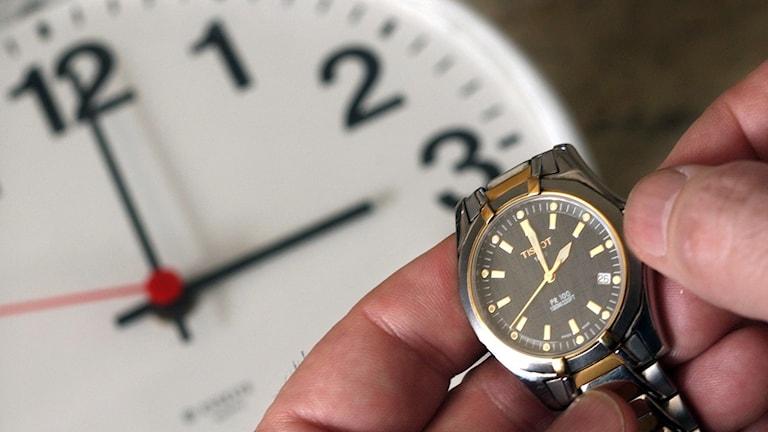 Nu ställer vi om klockan. Foto: TT.