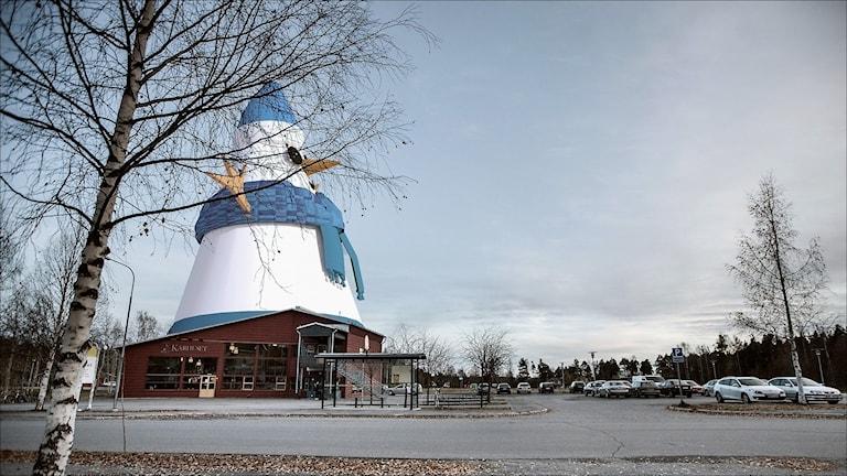 Snögubbe ska byggas i Piteå. Montage: Anders Westergren.