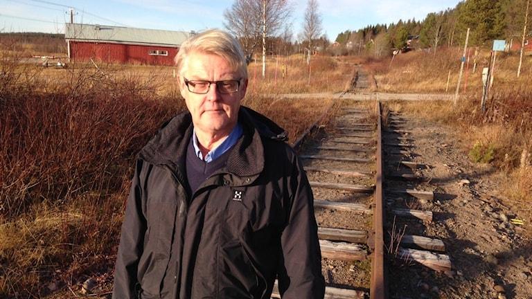 Den nedlagda järnvägen kan bli en toppmodern testbana, enligt Lars-Åke Tjernström, vd vid Rail test nordic. Foto: Per Vallgårda, Sveriges Radio