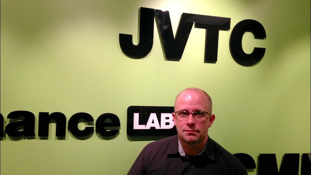 Matti Rantatalo, biträdande professor vid Järnvägstekniskt centrum bedömer att det finns ett behov av testbanan. Foto: Per Vallgårda, Sveriges Radio