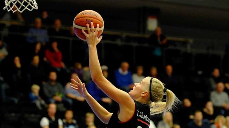 Julie Vanloo Luleå Basket