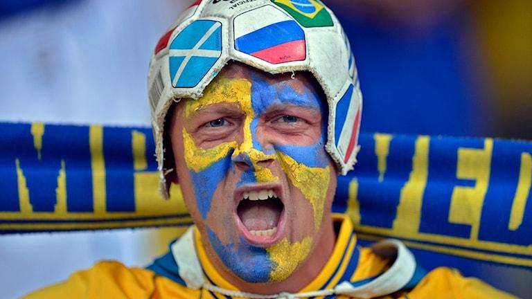 Fotbollssupportern Jimmy Bystedt följer svenska landslaget. Foto: Privat.
