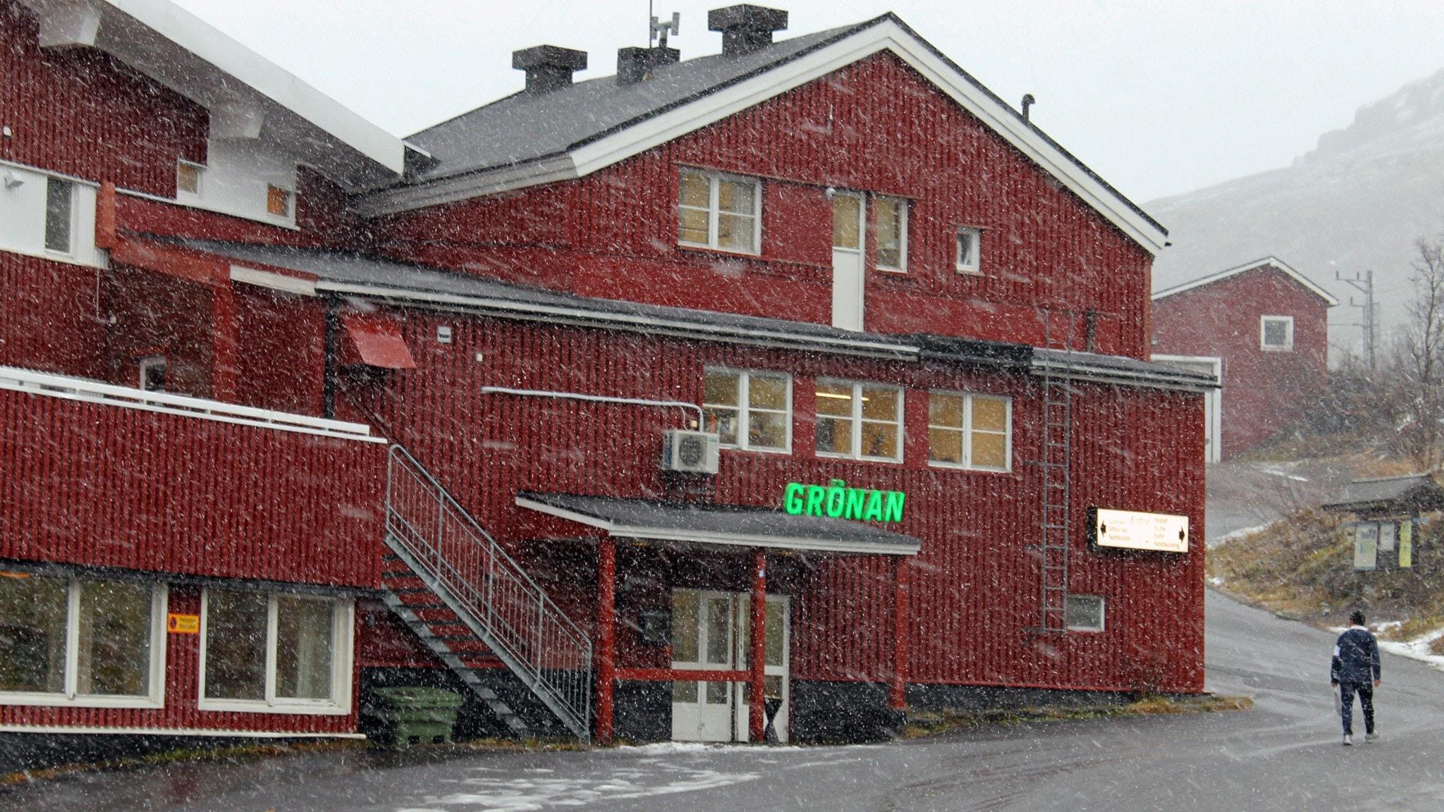 Skola för barnen på asylboendet i Riksgränsen - P4 Norrbotten