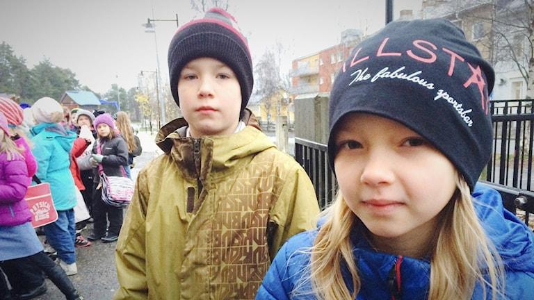 Elis och My är nio år och är nog faktiskt större än somliga tror. Foto: Anna Lidé/P4 Norrbotten