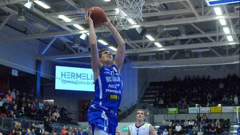 BC Luleås Andreas von Uthmann mot Jämtland. Foto: Alf Lindbergh/Pressbilder.