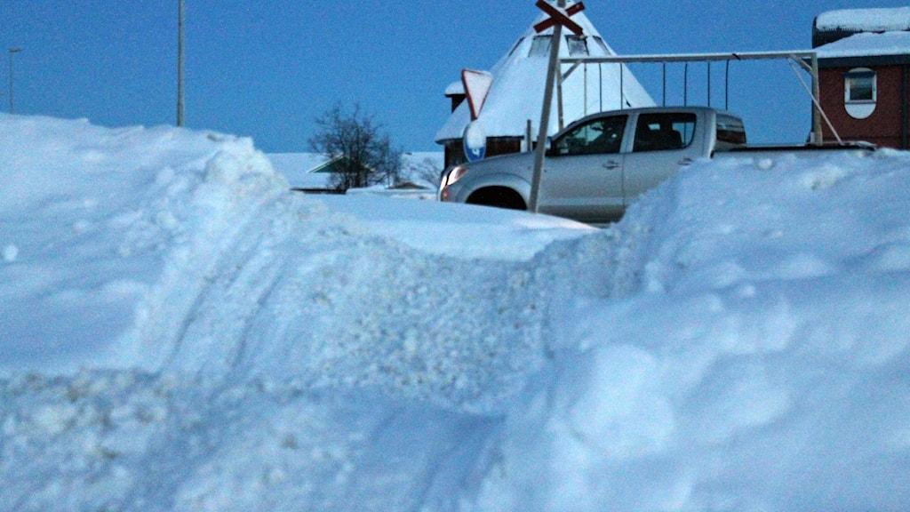 Kiruna kommun har beslutat att tillåta skoteråkning på en del vägar i Kiruna.