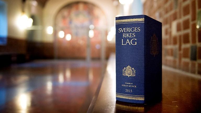 Svenska lagboken. Foto: TT.