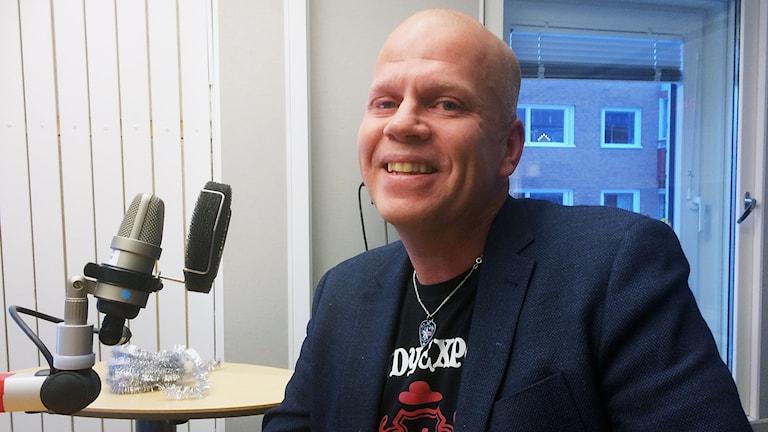 Lars Nilsson från Luleå stiftade bekantskap med Philomena Lynott för 25 år sedan. Foto: Anneli Lindbäck/Sveriges Radio