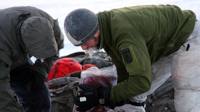 Delar av den svarta lådan har hittats. Foto: Knut Haarvik/NRK Nordland.