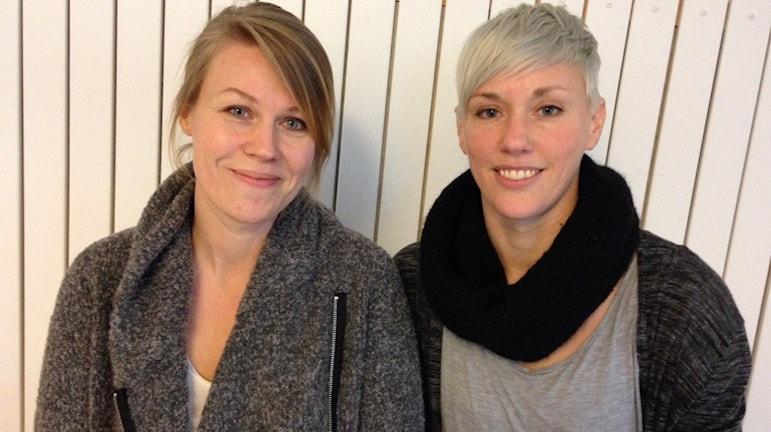 Anna Broström, Marknadschef vid Kulturens hus och Karin Sjöö Åkerblom vid Norrbottensteatern. Foto: Jon Hedström/Sveriges Radio