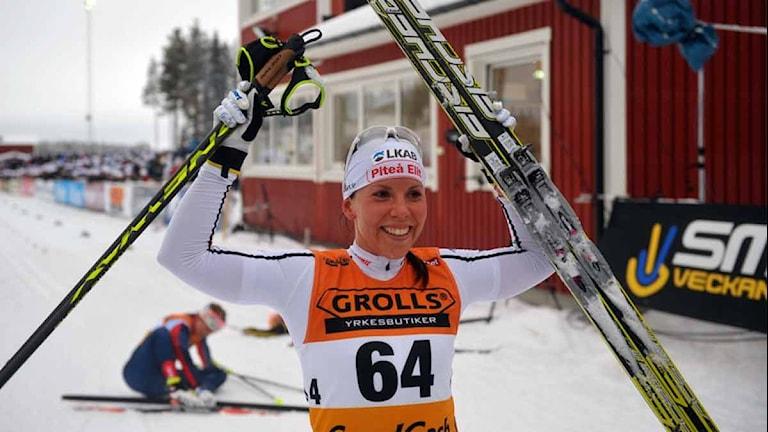 Charlotte Kalla efter SM-guldet på 10 km klassiskt. Foto: Alf Lindbergh/Pressbilder.
