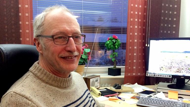 Leif Bildström, geotekniker på SGU, håller koll på utsläppen från gruvomrpådet