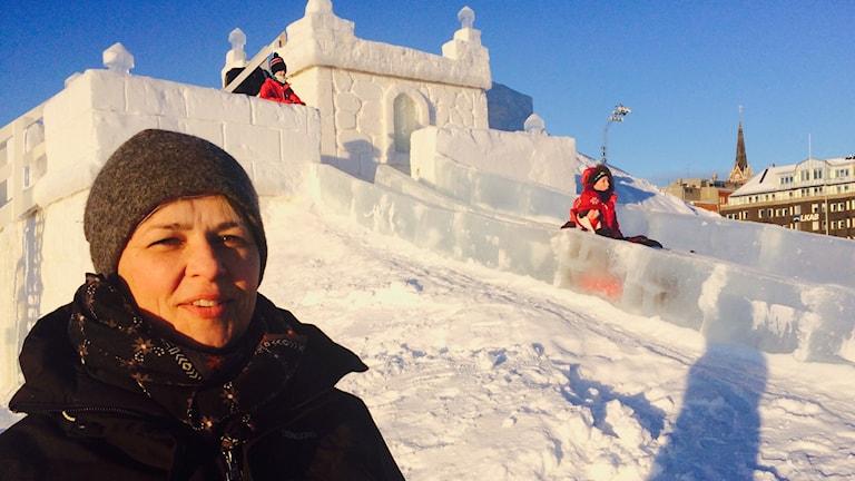 Sara Svensson, sektionschef på park och evenemang på Luleå kommun vid snöborgen i Södra hamn.