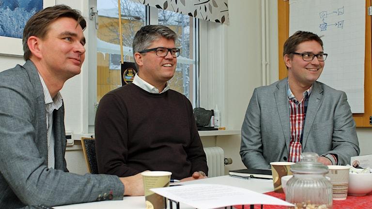 Harri Kekkonen och Frank Skogli från bemanningsföretaget FSO som vill vara med vid byggandet av Kirunas nya centrum. Stefan Sydberg (M) är andre vice ordförande i kommunstyrelsen.