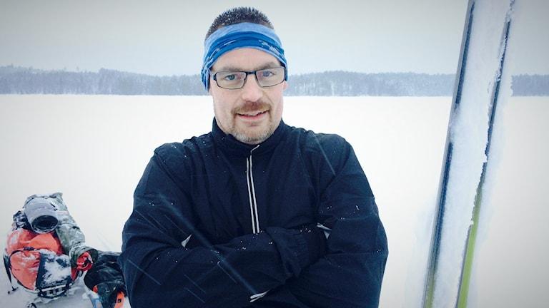 Fredrik Kenttä från Luleå är nu på väg. Från Råneå till Narvik på skidor, med en pulka på isiådär en 70 kilo.