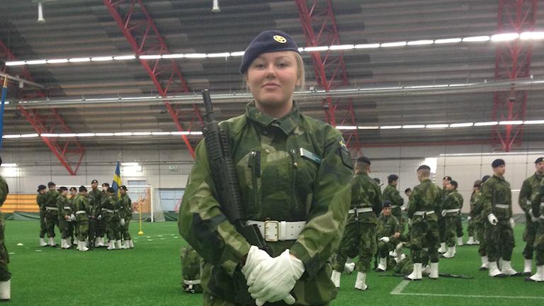 Idde Nääs från F21 tränar inför högvakten