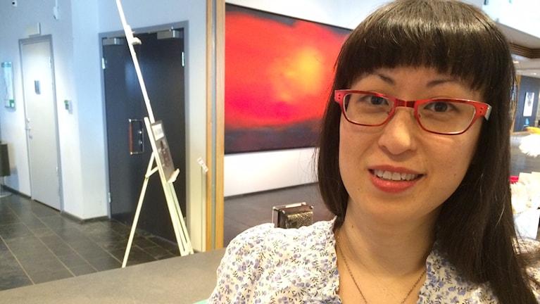 Sara Lindkvist jobbar i konsthallen i Luleå.