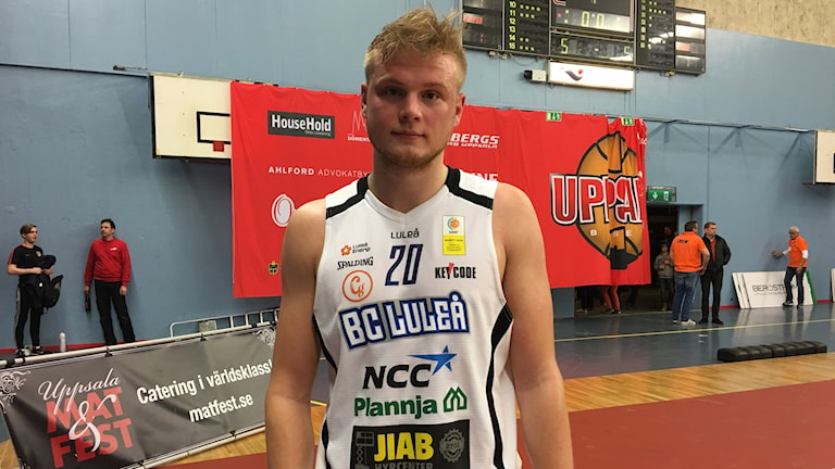 Anton Saks i BC Luleå efter vinsten mot Uppsala. Foto: Azuka Nnamaka/ Sveriges Radio