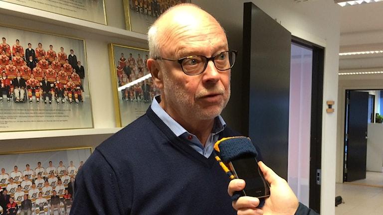 Curt Johansson som till en början är ordförande i SDHL.