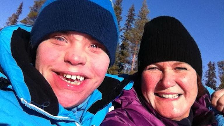Jonas och Ingrid Renberg i slalombacken. Foto: Ingrid Renberg