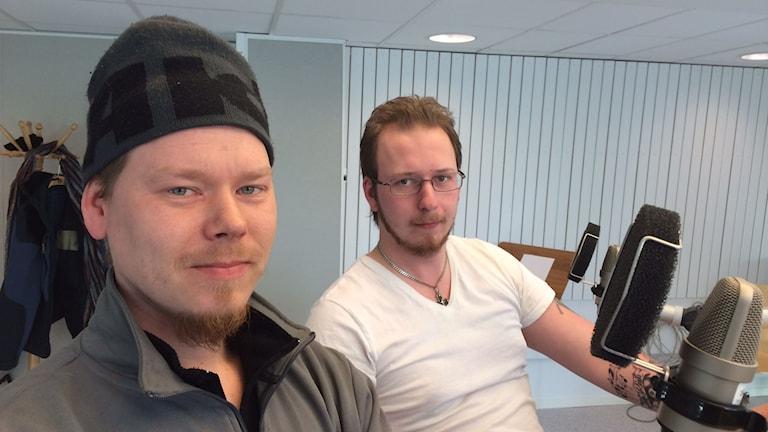 Jonas Dokken och Tobias Ylinenpää från Night Guards. Foto: Tova Nilsson/Sveriges Radio