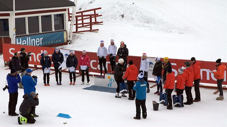 Prispallen vid 30 km damer under skid-SM i Gällivare.