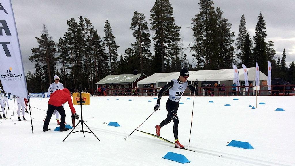 Marcus Hellner i femmilen vid skid-SM i Gällivare.