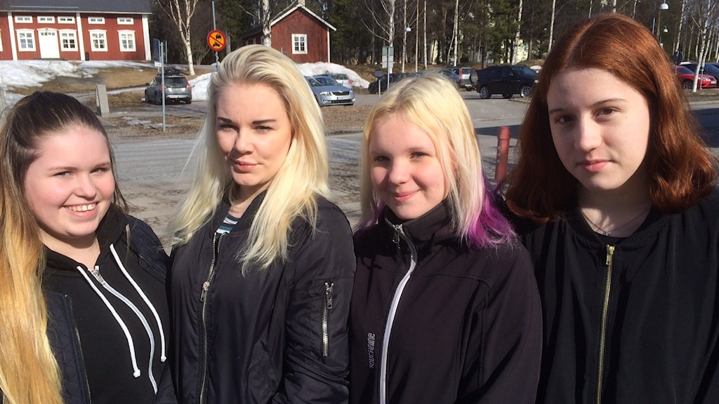 Åttondeklassarna Sandra Edin, Savanna Johansson, Frida Andersson och Moa Antonsson på Stadsöskolan tycker att vikariesituationen varit jobbig sista tiden.