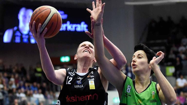 Luleå baskets Anna Barthold  mot Udominate.